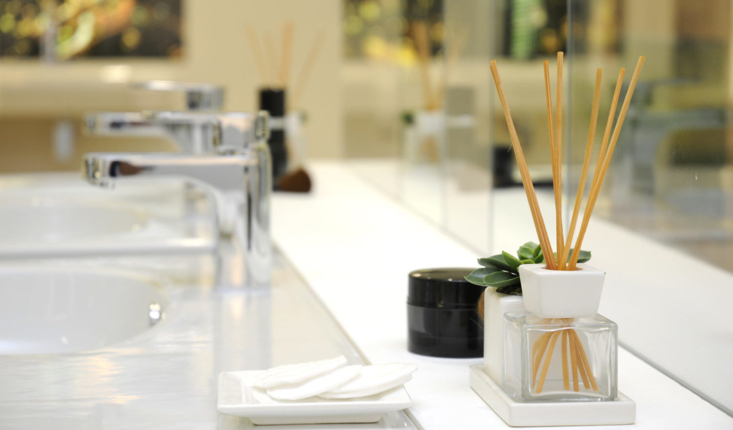 bathroom interior design - perfume ambience diffuser with wooden sticks.