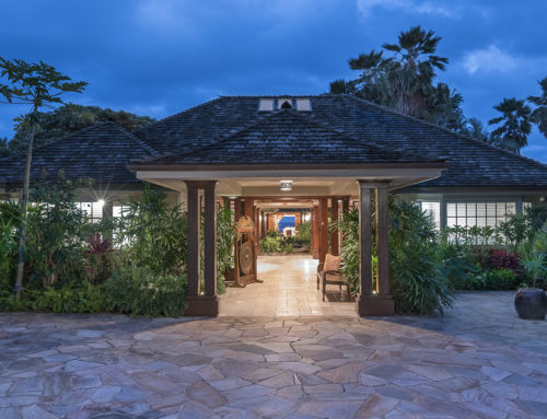 Extraordinary Hawaii Home: Gracious Oceanfront Estate in Honolulu